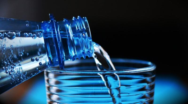 Ist das Trinken von Mineralwasser förderlich für die Gesundheit?