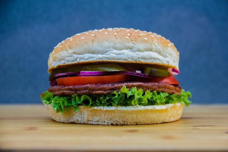 Wie Fast Food das Gehirn schädigt